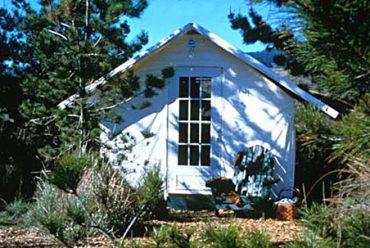 66) Sonoma 10×12 – Colonial door